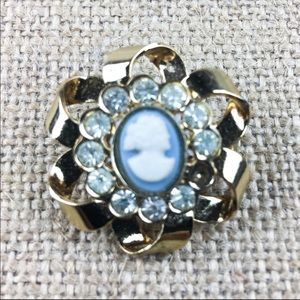 Vintage Cameo Jewels by Emmons Brooch Pin